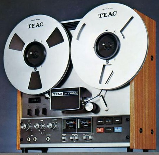 teac-model-3300s-reel-to-reel-recorder-540x528